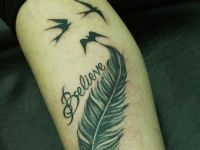 Believe-pluma-feather-pajaros-birds-tattoo-tatuaje-amor-de-madre-zamora